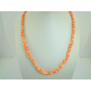 Collier en corail rose