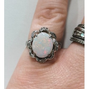 Opale noble bague strass